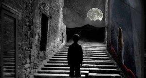 menatap bulan 1